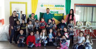 Prefeitura de Mormaço investe em uniformes para alunos da rede municipal